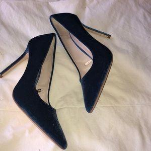 SHOES/BOOTS▫️ Zara Velvet Heels